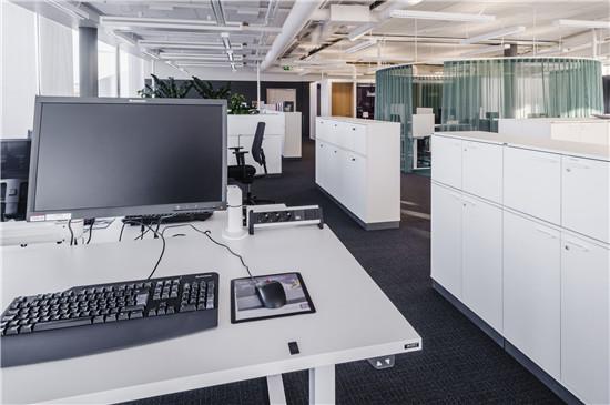 国外传媒公司办公室装修设计-2
